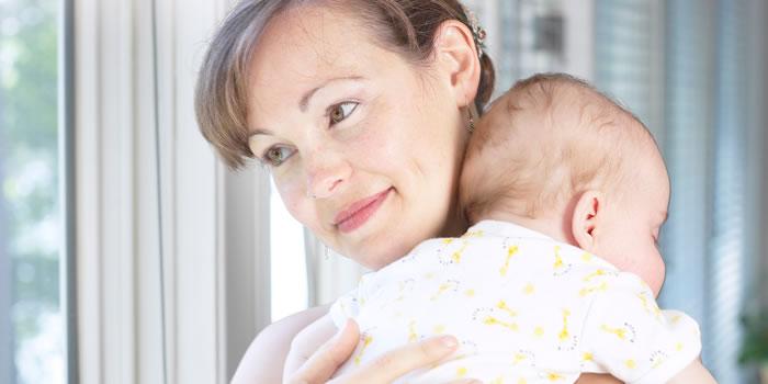 El Bebe con gases como ayudar a expulsarlo