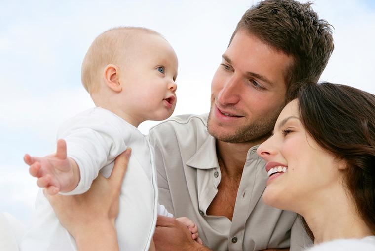 ¿ Cuando comienzan hablar los bebes ?