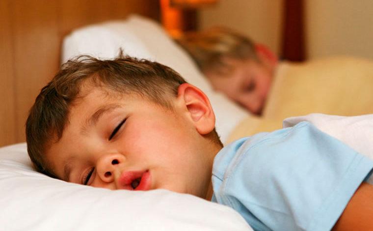 Las siestas regulares pueden ayudar a los niños a aprender