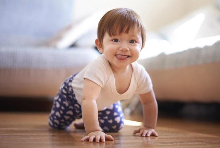¿Por qué es importante Gateo con manos y rodillas para el desarrollo del bebé?