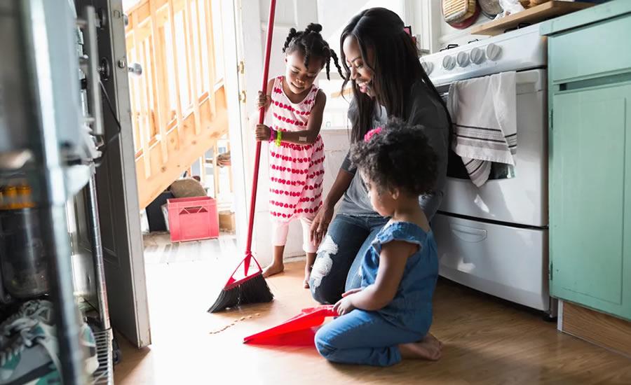 Cómo los maestros Montessori enseñan a los niños a ser responsables